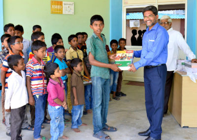 GH1,-Distributing-school-books